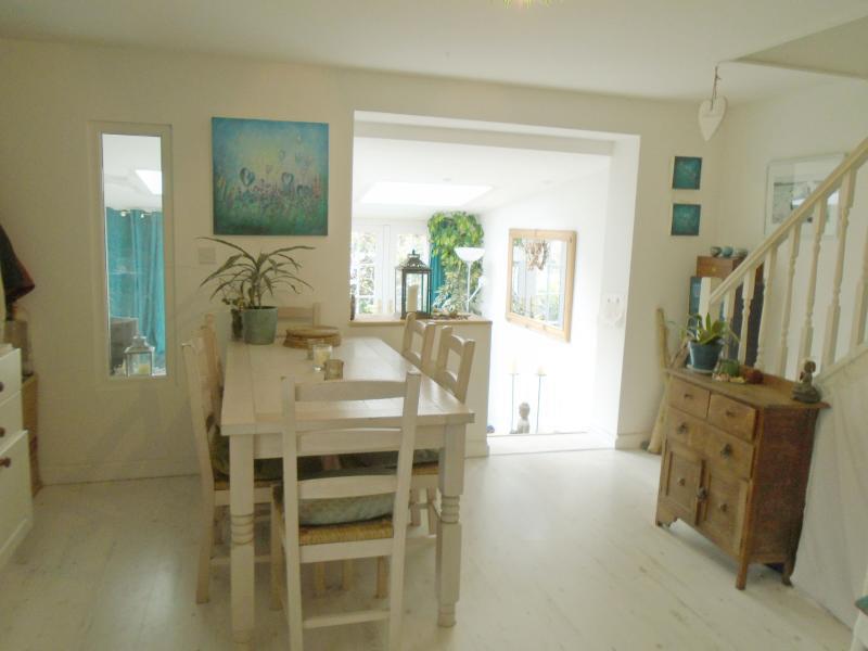 Beach holiday house in Porthtowan Cornwall, holiday rental in Threemilestone