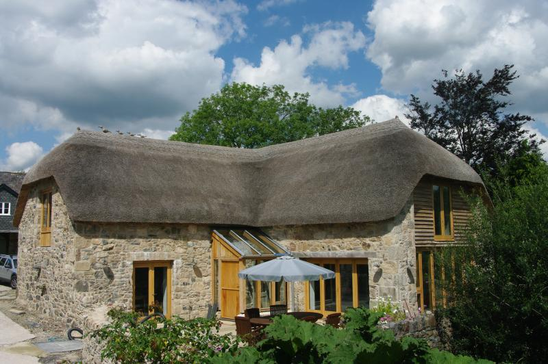 The Tithe Barn, Ashburton.. Luxury Five Star, Gold Award Cottage in Dartmoor National Park