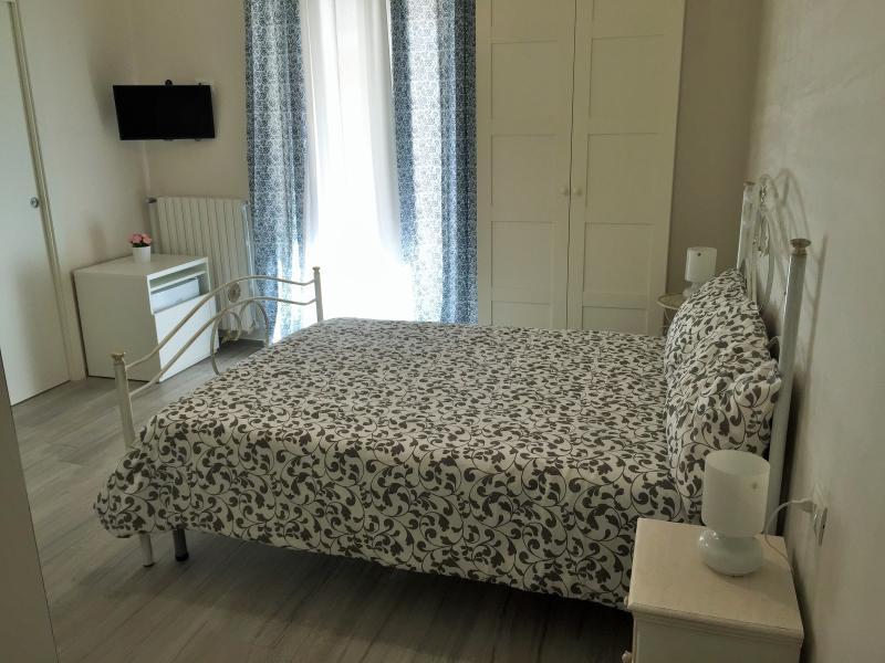 Profumo d'aMARE CAMERA TRIPLA, Ferienwohnung in Polignano a Mare