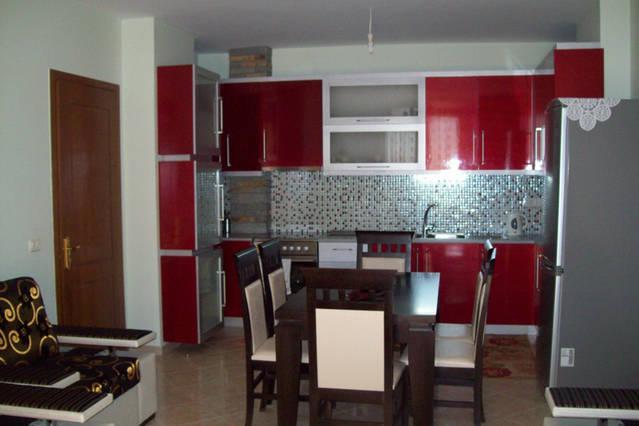 2 bedroom apartment 100m from beach, vacation rental in Saranda