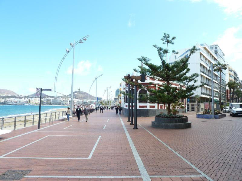 First row building and the promenade at Canteras Beach