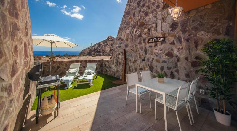 Villa Talitas, Wonderful sunny place w/ Seaview Golf and pool in Tauro,Mogán, vacation rental in La Playa de Tauro