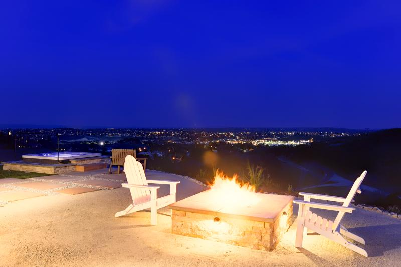Nighttime at Illumination Ridge: does it get any better than this?