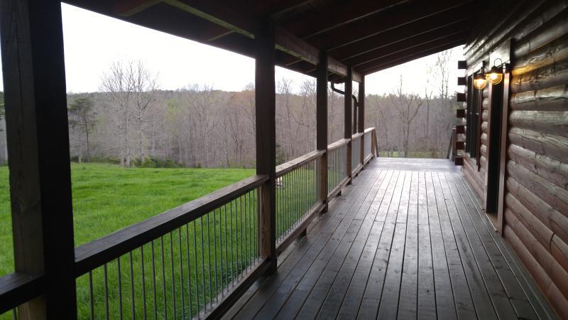Gorgeous wrap around deck