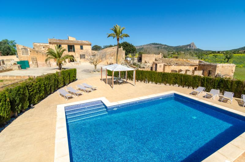 BUNIFERRI - Villa for 8 people in LLUCMAJOR, holiday rental in Son Antem
