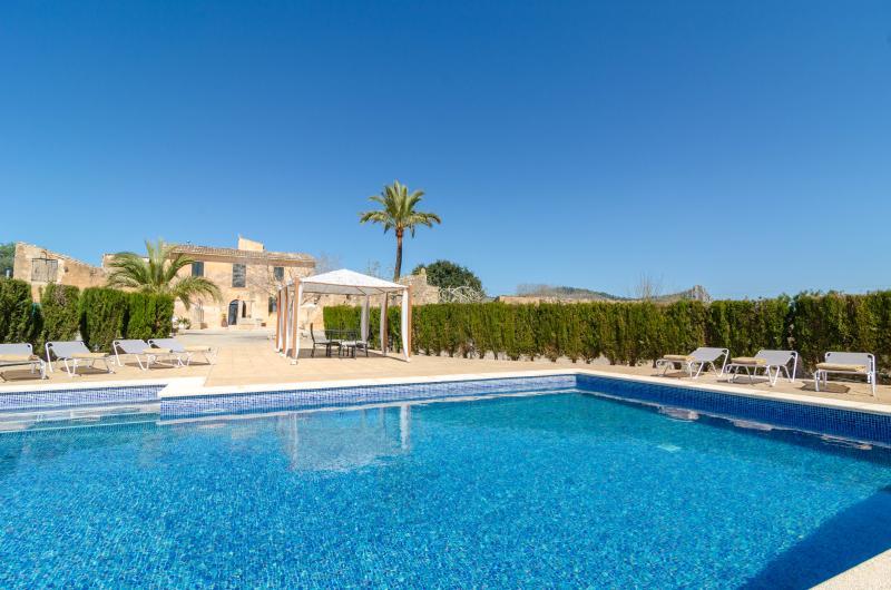 BUNIFERRI - Villa for 8 people in Llucmajor, alquiler de vacaciones en Randa