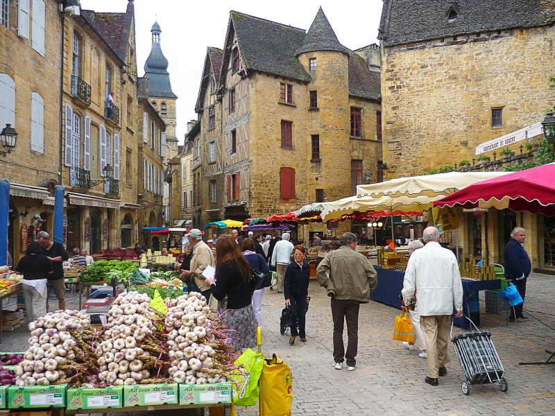 Fantastic shopping in Sarlat on market day