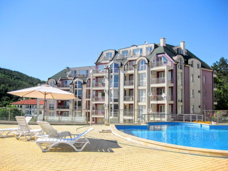 Apartment to the beach in Kavarna town, holiday rental in Balgarevo