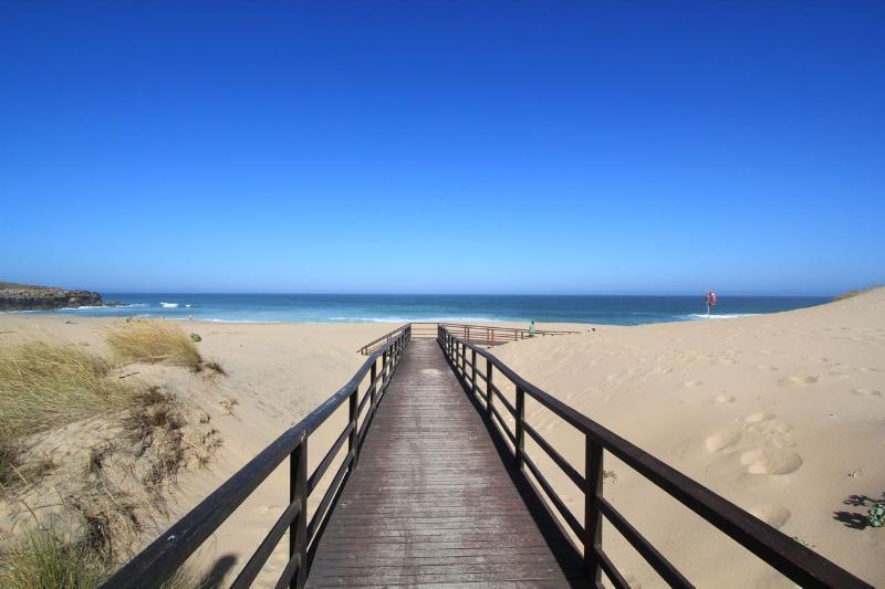 Nearest beach - Foz do Lizandro