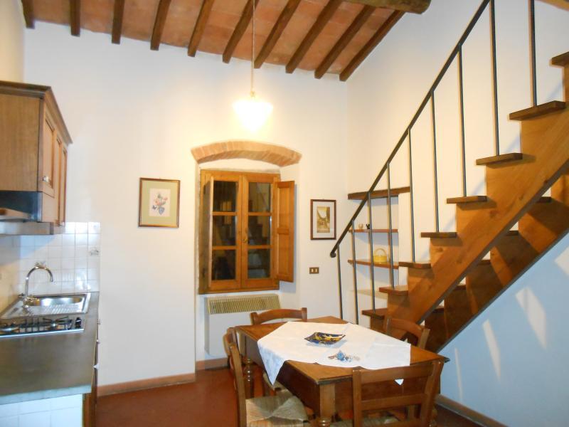 Tipico bilocale in un Borgo Toscano, holiday rental in Castelnuovo dei Sabbioni