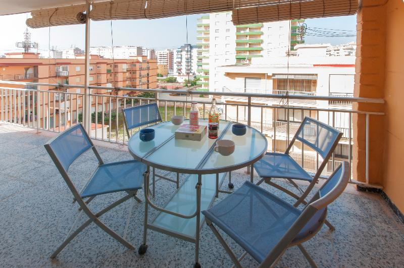 MARABRIL - Apartment for 5 people in Platja De Gandia, holiday rental in Grau de Gandia