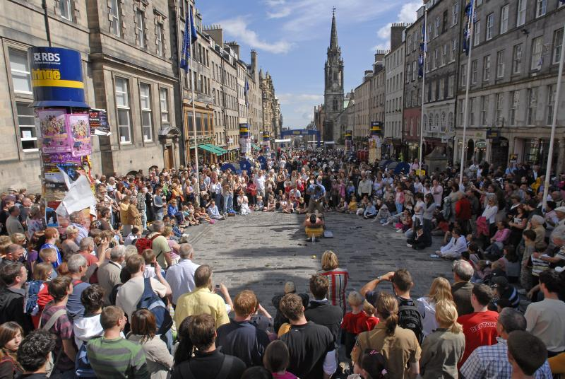 Festival Royal Mile (High Street) street performers (10 mins walk)