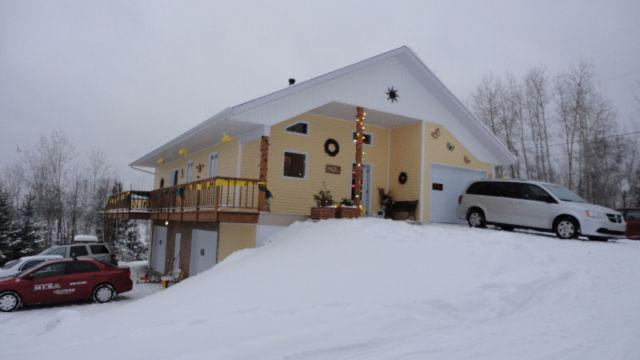Fully Equipped 3 Bedroom Chalet, holiday rental in Rouyn-Noranda
