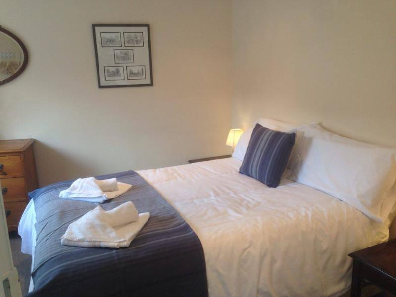 City Centre Apartment - Sleeps 3 Flat 4, vacation rental in Fishbourne