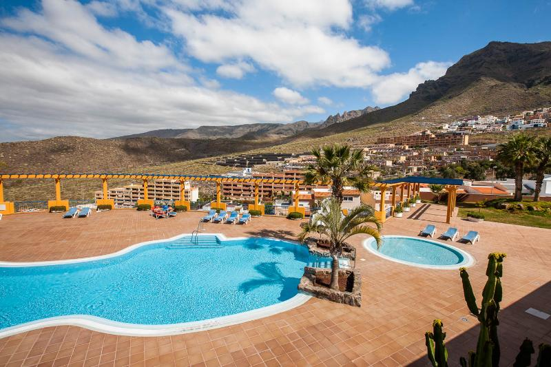 Family Friendly 2 Bedroom Apartment Costa Adeje – semesterbostad i Adeje