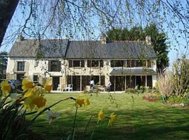 Traditional French Farmhouse, holiday rental in Saint-Judoce