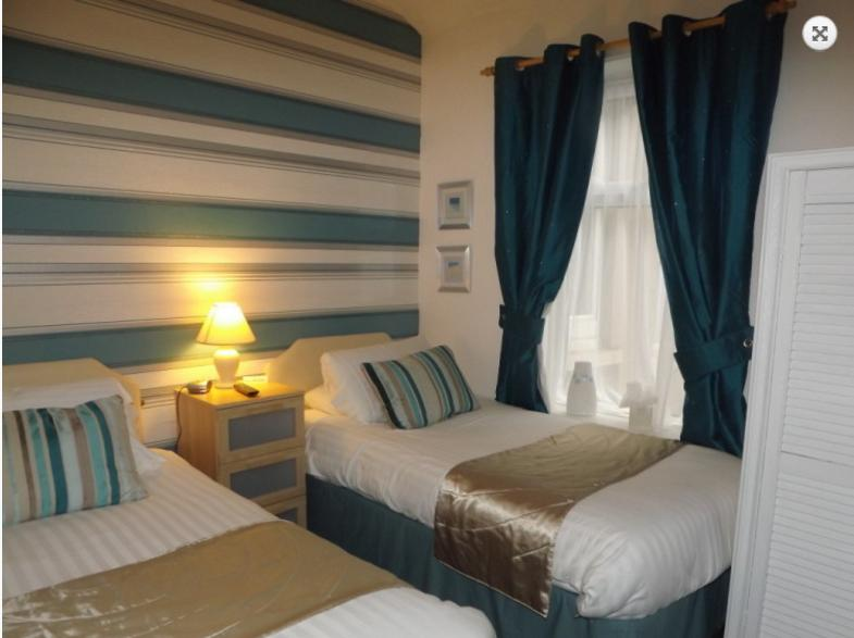 The Strathdon B&B - Standard Twin Room, holiday rental in Blackpool