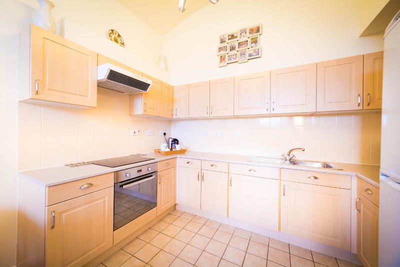 cozinha totalmente equipada.