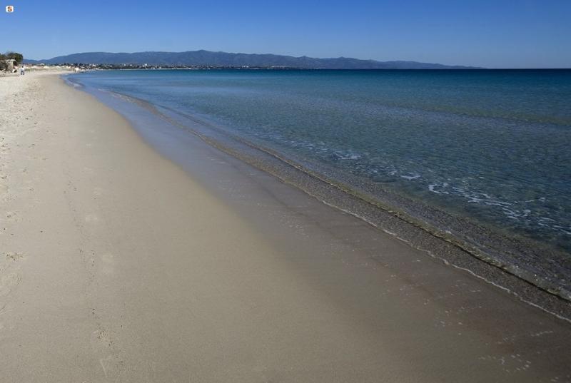 Quartu, Casa Rossa&Blu vicino al mare Poetto Beach, vacation rental in Quartucciu