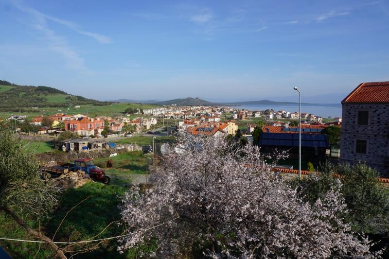 A House with Islands View – semesterbostad i Cunda Island