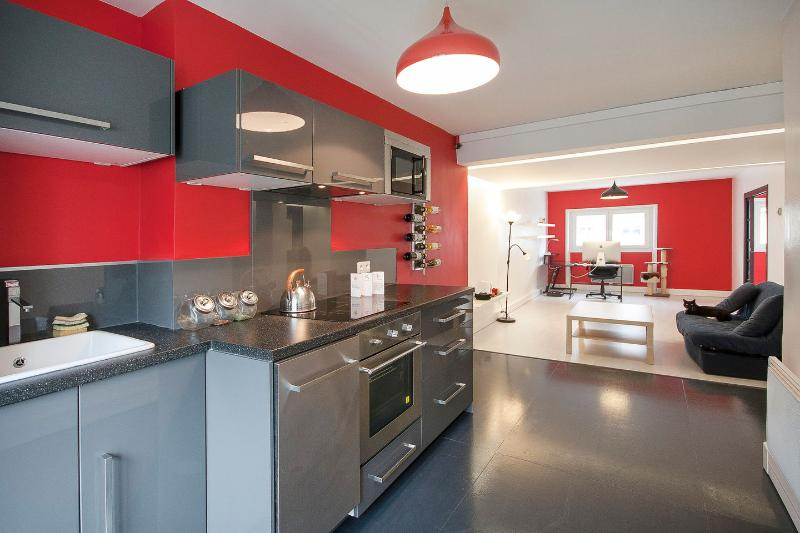 Lofty flat in the heart of Brest, location de vacances à Brest