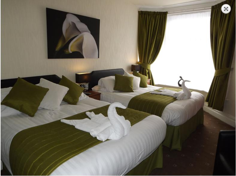 The Strathdon B&B - Superior Family Room, holiday rental in Blackpool