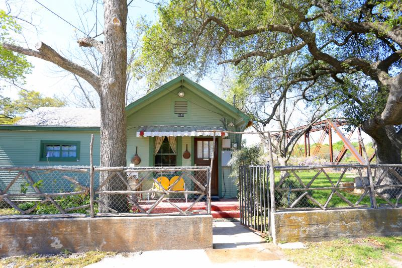 1930's craftsman home next to the oldest tavern in Texas
