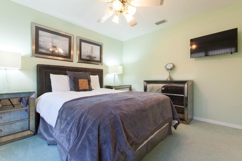 The Queen Two Bedroom