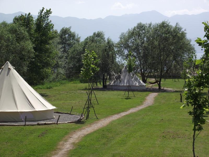 Lake Shkodra Resort Bell Tent, location de vacances à Shkoder County