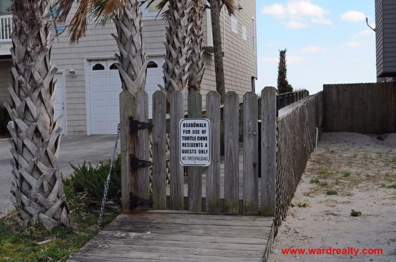 Turtle Cove Beach Access