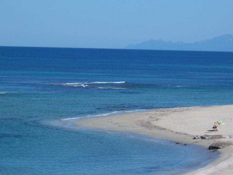 the Alonaki beach