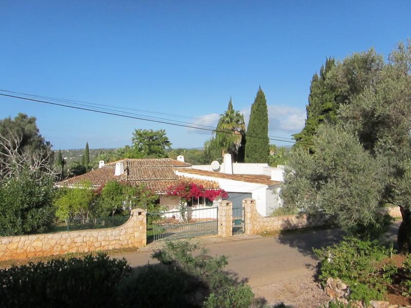 Villa Fumone - Portimao - Alvor / Algarve - between Peninia and Morgado Golf, aluguéis de temporada em Portimão