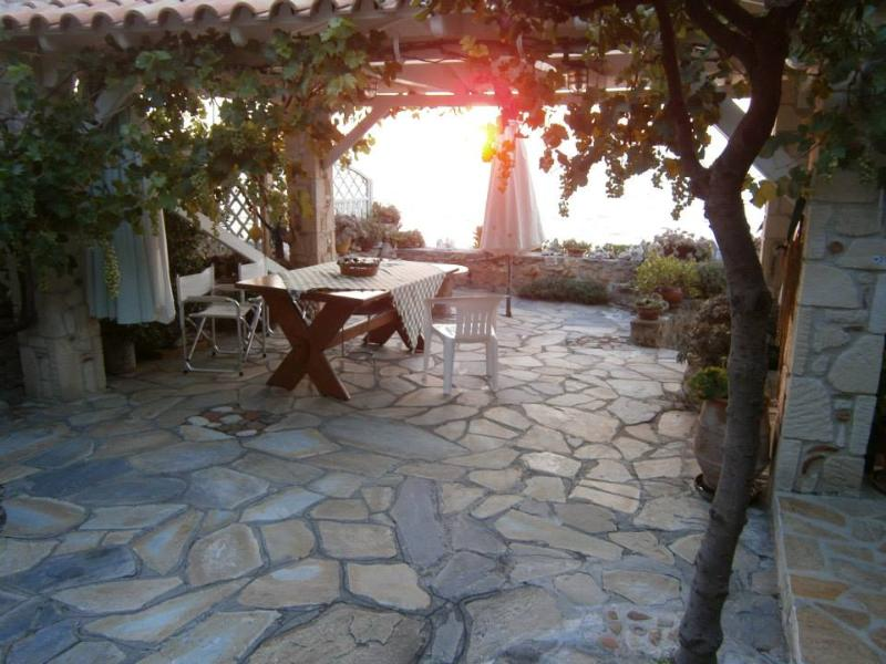 My little cottage by the beach, holiday rental in Kassandra