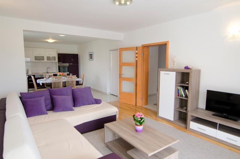 Luxury Apartment Martina****, alquiler de vacaciones en Kastel Stari