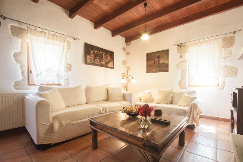 Traditional elegant Cretan Mansion, holiday rental in Perivolia