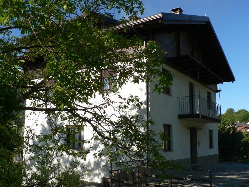 La Via del Sole Camera  Assietta, Ferienwohnung in Gravere