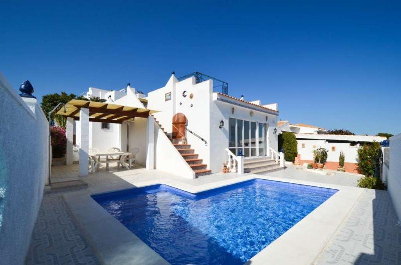 Modern Villa With Private Pool – semesterbostad i Orihuela