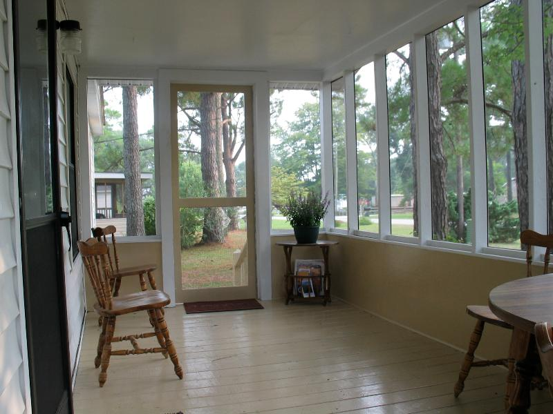 Beachwelcome2 Pet Friendly 3 Bedroom 2 Bath Large Porch