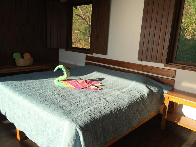3rd level - Master bedroom: King size bed