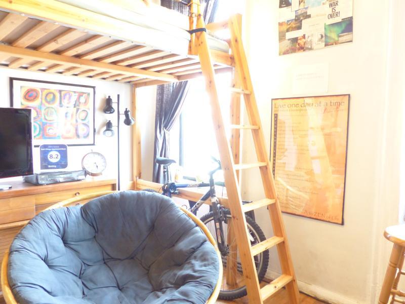 Guest bedroom - papassan