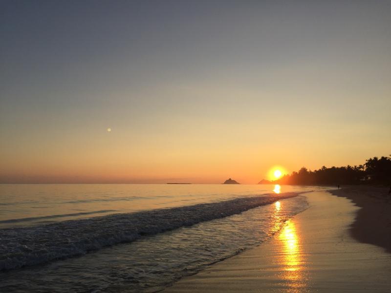 Sunrise on Kailua beach