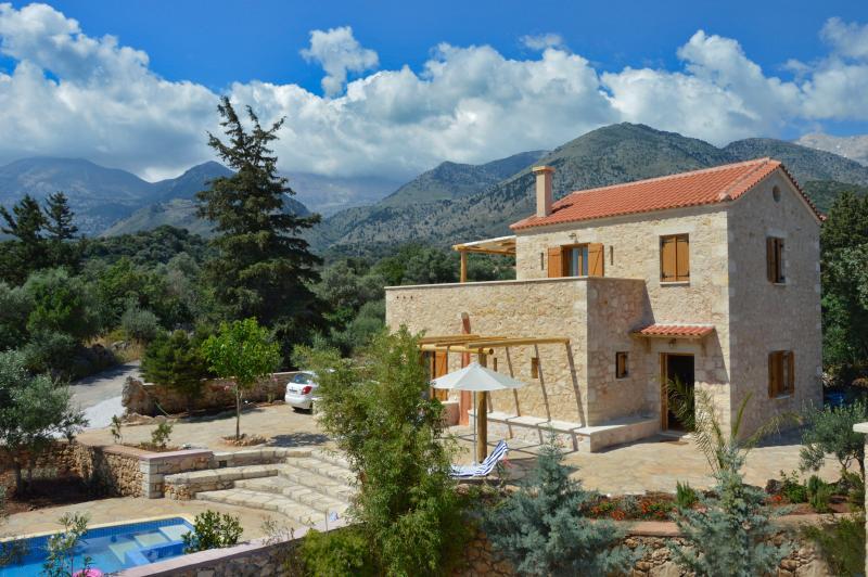 Ariadne Stone Villa, Melidoni , CRETE, vacation rental in Pemonia