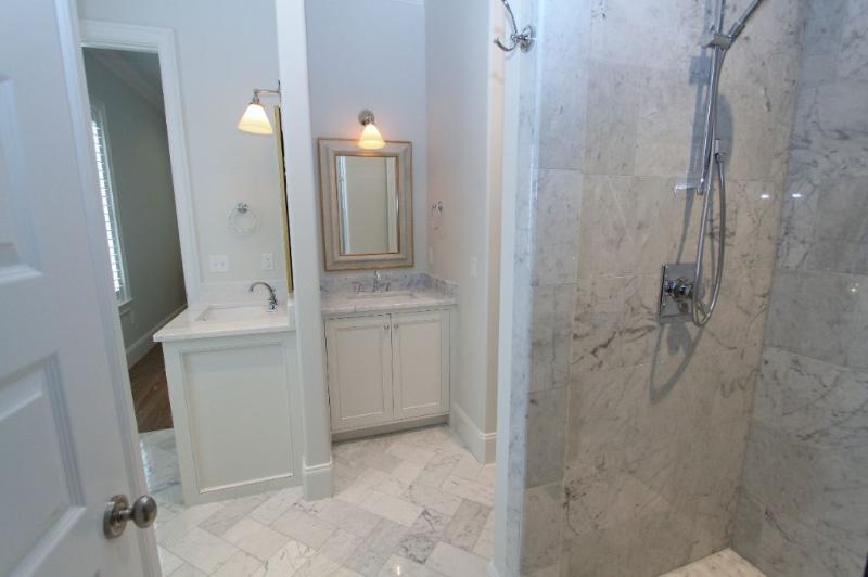 Shared Bath Between King #4 and Bunk Hallway