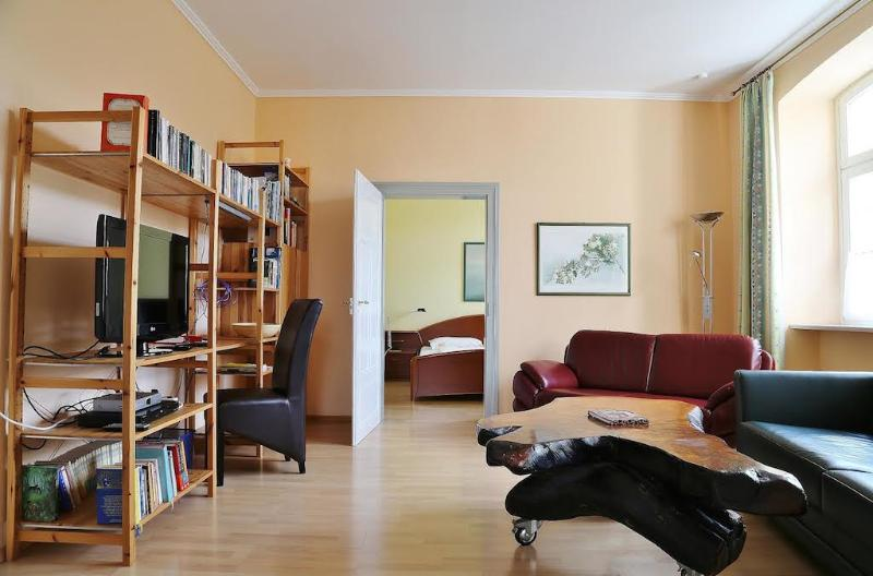 Vacation Apartment in Bamberg - 807 sqft, spacious, near heart of town, quiet (# 1431) #1431