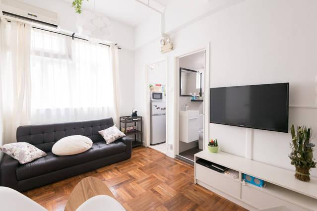 2 BR Apartment in Tin Hau, King's Road, vacation rental in Hong Kong