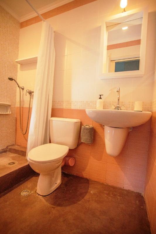 Bathrooms (renovated 2014)