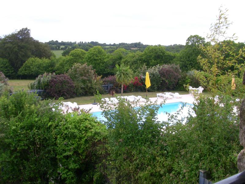 Vue sur la piscine de Moros - 3 chambres Cottage
