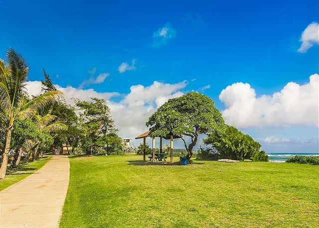 Walking Path to Lydgate Beach