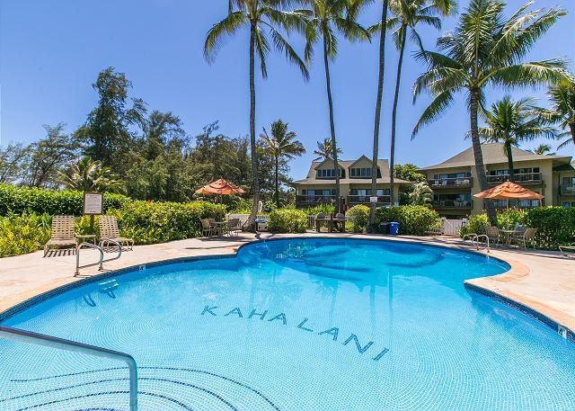 Kaha Lani #115, Ocean View, Steps to Beach, Remodeled Kitchen, King Bed, Wifi, location de vacances à Lihue