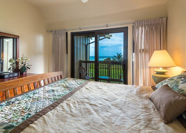 Master Bedroom Suite with private oceanfront lanai